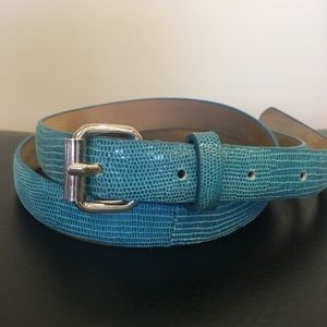 ANN TAYLOR Leather Belt. Silver details. EUC Small